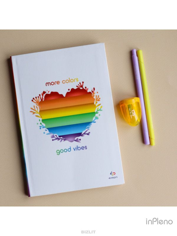 Блокнот Artbook Rainbow heart